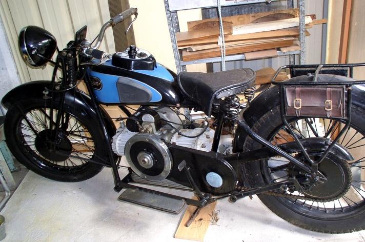Douglas D33 motorcycle, 1933